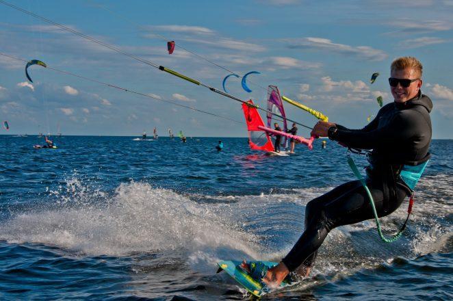 Pływanie na Kitesurfingu