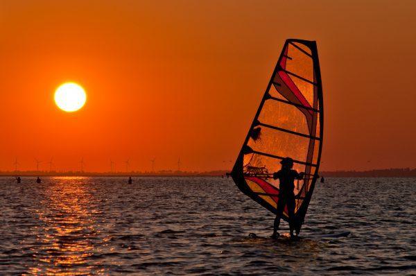 Szkoła i wypożyczalnia windsurfingu w Jastarnia