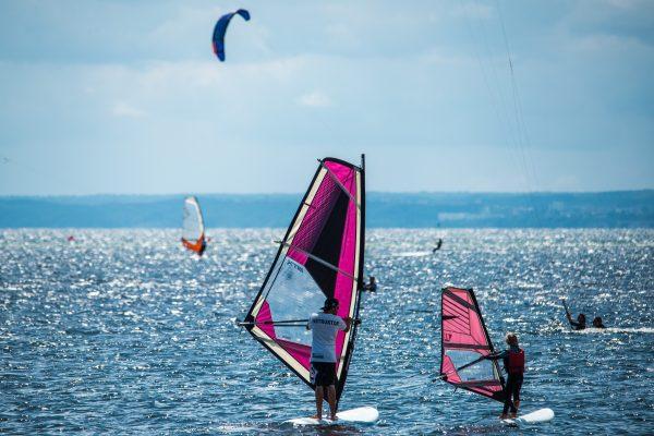 Kurs Windsurfingu w licencjonowanej szkole windsurfingu w Jastarni