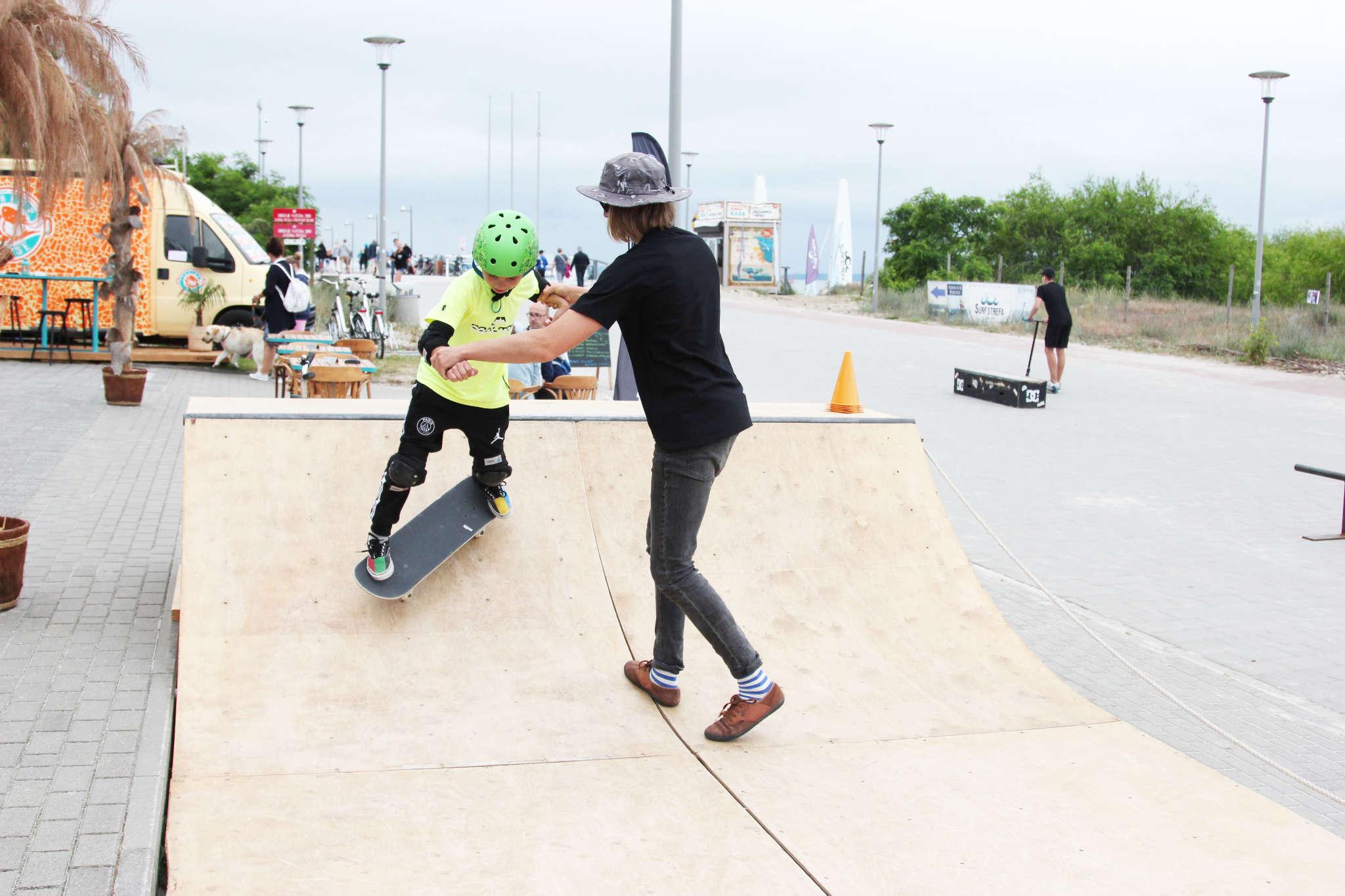 Skate slide 2