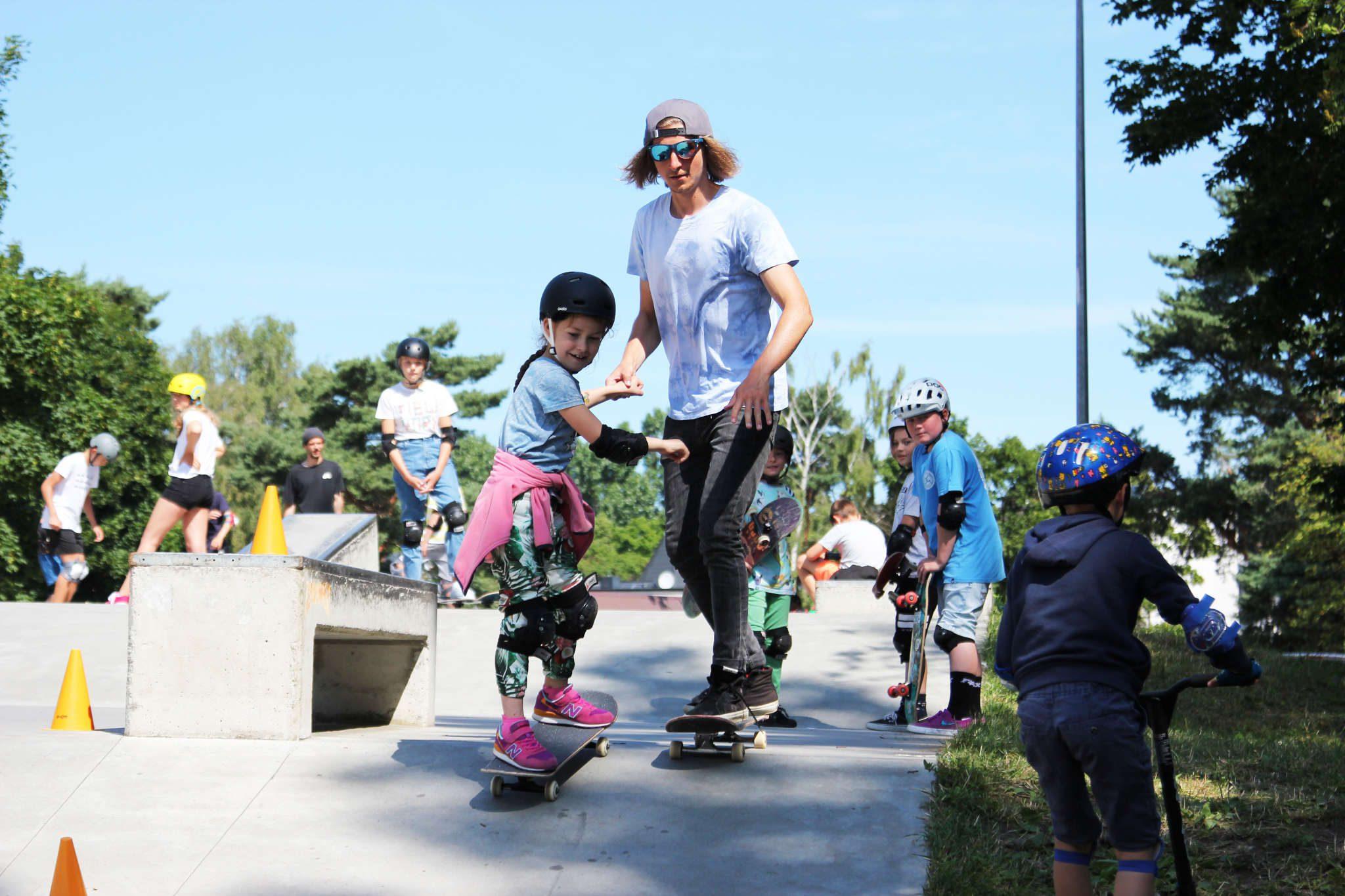 Skate slide 1
